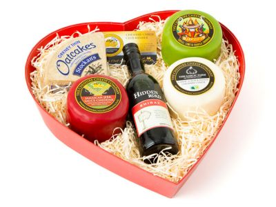 Spicy Cheese and wine gift set with chilli